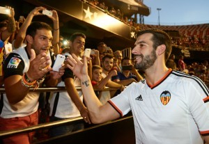 Alvaro Negredo is Presented As New Player of Valencia CF